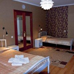 Мини-Отель Три Зайца Стандартный номер с 2 отдельными кроватями (общая ванная комната) фото 7