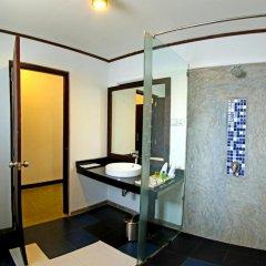 Отель Coco Royal Beach Resort ванная фото 2