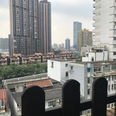 Отель Shanghai Blue Mountain Bund Youth Hostel Китай, Шанхай - 1 отзыв об отеле, цены и фото номеров - забронировать отель Shanghai Blue Mountain Bund Youth Hostel онлайн балкон