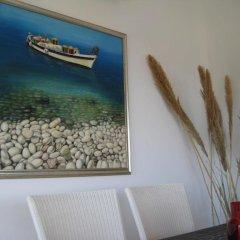 Отель Trident Beach Apartment Кипр, Протарас - отзывы, цены и фото номеров - забронировать отель Trident Beach Apartment онлайн интерьер отеля фото 3