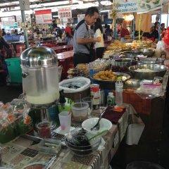 Отель Baan Saladaeng Boutique Guesthouse Бангкок питание фото 2