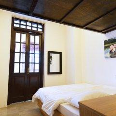 Отель 5footway.inn Project Ann Siang 2* Улучшенный номер с различными типами кроватей фото 3
