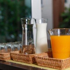 Отель U-tiny Boutique Home Suvarnabh Бангкок питание