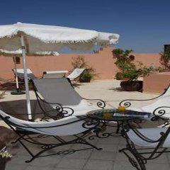 Riad Nerja Hotel бассейн