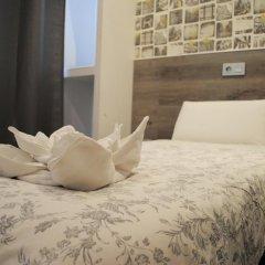 Отель Hostal Abril Стандартный номер с различными типами кроватей фото 13