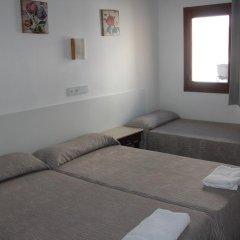 Отель Hostal Las Nieves Стандартный номер с различными типами кроватей (общая ванная комната) фото 20
