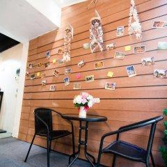 Отель TIA Thai Hostel Таиланд, Бангкок - отзывы, цены и фото номеров - забронировать отель TIA Thai Hostel онлайн интерьер отеля фото 2