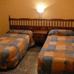 Отель Hostal Rodes комната для гостей