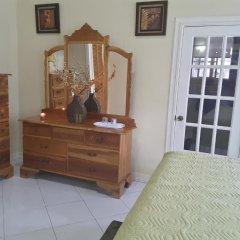Отель Cazwin Villas Ямайка, Монтего-Бей - отзывы, цены и фото номеров - забронировать отель Cazwin Villas онлайн удобства в номере фото 2