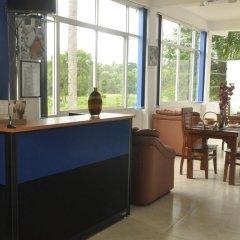 Отель Otha Shy Airport Transit Hotel Шри-Ланка, Сидува-Катунаяке - отзывы, цены и фото номеров - забронировать отель Otha Shy Airport Transit Hotel онлайн интерьер отеля