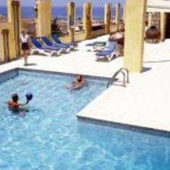 Roman II Boutique Hotel бассейн