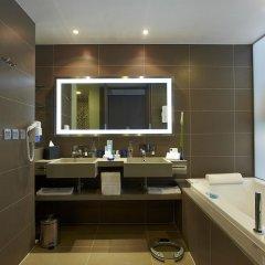 Отель Novotel Bangkok Ploenchit Sukhumvit 4* Улучшенный номер с различными типами кроватей фото 4