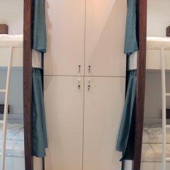 Отель Karavan Inn Кровать в общем номере с двухъярусной кроватью фото 9