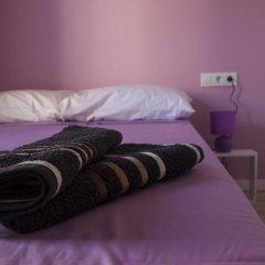 Отель Colors Rooms Валенсия комната для гостей фото 5