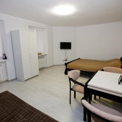 Гостиница Plosha Rynok 25 комната для гостей фото 2