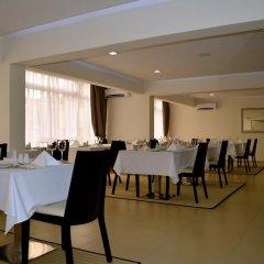 Отель New Brookfields Hotel Сьерра-Леоне, Фритаун - отзывы, цены и фото номеров - забронировать отель New Brookfields Hotel онлайн питание фото 3