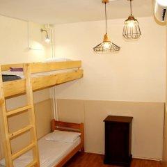 Envoy Hostel Стандартный семейный номер с двуспальной кроватью (общая ванная комната) фото 3