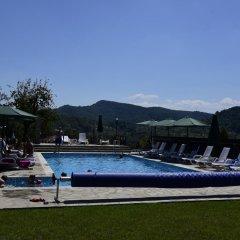 Отель Sinabovite Houses Болгария, Боженци - отзывы, цены и фото номеров - забронировать отель Sinabovite Houses онлайн бассейн фото 3