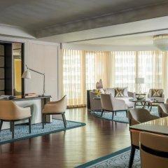 Four Seasons Hotel Macao at Cotai Strip 5* Улучшенный номер с различными типами кроватей фото 4