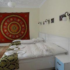 Отель Tulip Guesthouse 2* Стандартный семейный номер с двуспальной кроватью фото 2