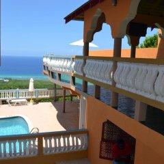 Отель Sea View Heights Villa Montego Bay балкон