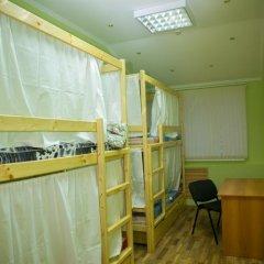 Hostel Ogurets Кровати в общем номере с двухъярусными кроватями фото 15