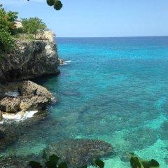 Отель Coral Seas Garden Resort пляж фото 2