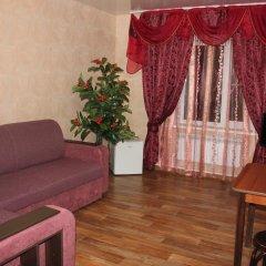 Гостиница Na L'va Tolstogo в Змеиногорске отзывы, цены и фото номеров - забронировать гостиницу Na L'va Tolstogo онлайн Змеиногорск комната для гостей фото 4
