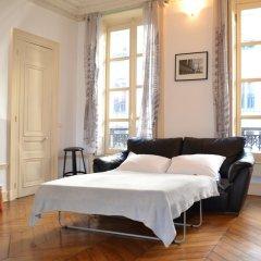 Отель Rambuteau Франция, Париж - отзывы, цены и фото номеров - забронировать отель Rambuteau онлайн комната для гостей