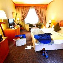 Landmark Summit Hotel 4* Улучшенный номер с различными типами кроватей фото 5