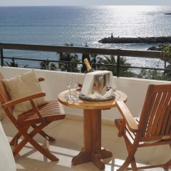 Coral Beach Hotel and Resort балкон