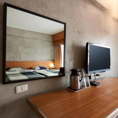 Отель White Palace Bangkok 3* Стандартный номер с различными типами кроватей фото 10
