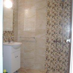 Отель Kozarov Family Hotel Болгария, Свети Влас - отзывы, цены и фото номеров - забронировать отель Kozarov Family Hotel онлайн ванная