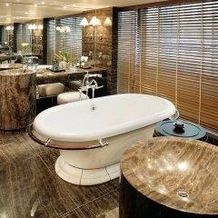 Отель Mandarin Oriental, Hong Kong 5* Стандартный номер с различными типами кроватей фото 2