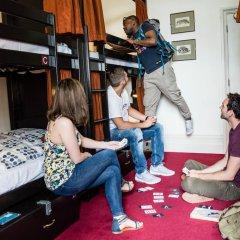 Отель Palmers Lodge Swiss Cottage Кровать в общем номере фото 10