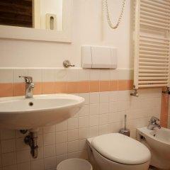 Отель Locanda Ai Santi Apostoli 3* Стандартный номер с различными типами кроватей фото 18