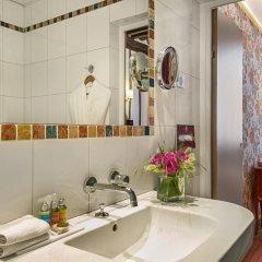 Отель Hôtel Saint Paul Rive Gauche 4* Улучшенный номер с различными типами кроватей