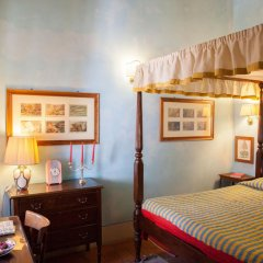 Отель Antica Dimora Firenze 3* Номер Делюкс с различными типами кроватей фото 4