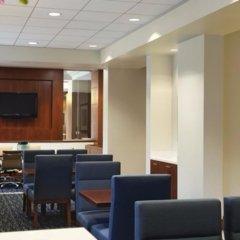 Отель Hilton Suites Chicago/Magnificent Mile интерьер отеля