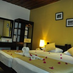 Отель Lakeside At Nuwarawewa 3* Улучшенный номер