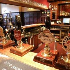 Отель The Royal At Hayfield гостиничный бар