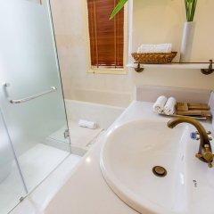 Отель Hoi An Garden Palace & Spa 4* Номер Делюкс с различными типами кроватей фото 7