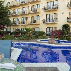 Flamingo Vallarta Hotel & Marina бассейн