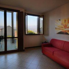 Отель Residenza Le Farfalle Манерба-дель-Гарда комната для гостей фото 4