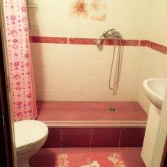 Отель Жилое помещение Все свои на Большой Конюшенной Санкт-Петербург ванная фото 2