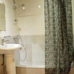 Quiet Corner Hotel ванная
