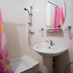 Гостиница Континент 2* Стандартный номер с двуспальной кроватью фото 6