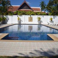 Отель Baan Suan бассейн
