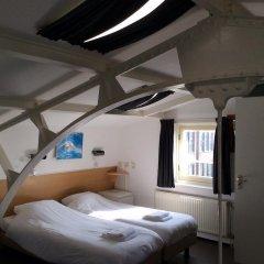 City Hotel 2* Кровать в общем номере с двухъярусной кроватью фото 3