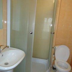 Гостиница Дубрава Стандартный номер с двуспальной кроватью фото 10
